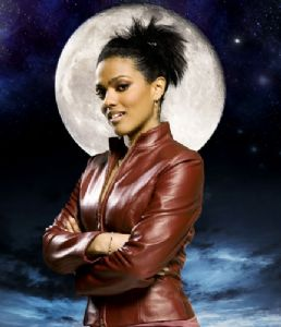"Freema Agyeman ""Martha Jones"" from Doctor Who  Rare hand signed 10 x 8 Photograph"